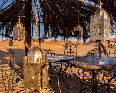 Decoration lanternes desert